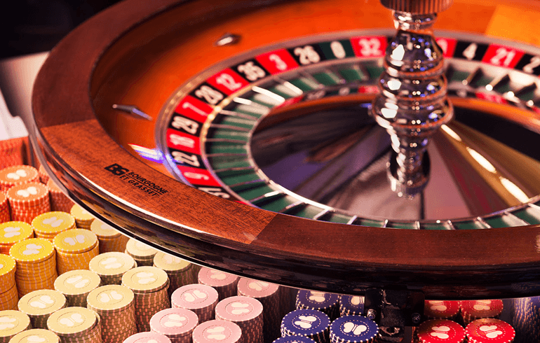Benefits of Playing Online Roulette on a Live Casino